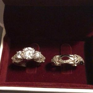 Size 7 cz engagement ring set! Never worn!